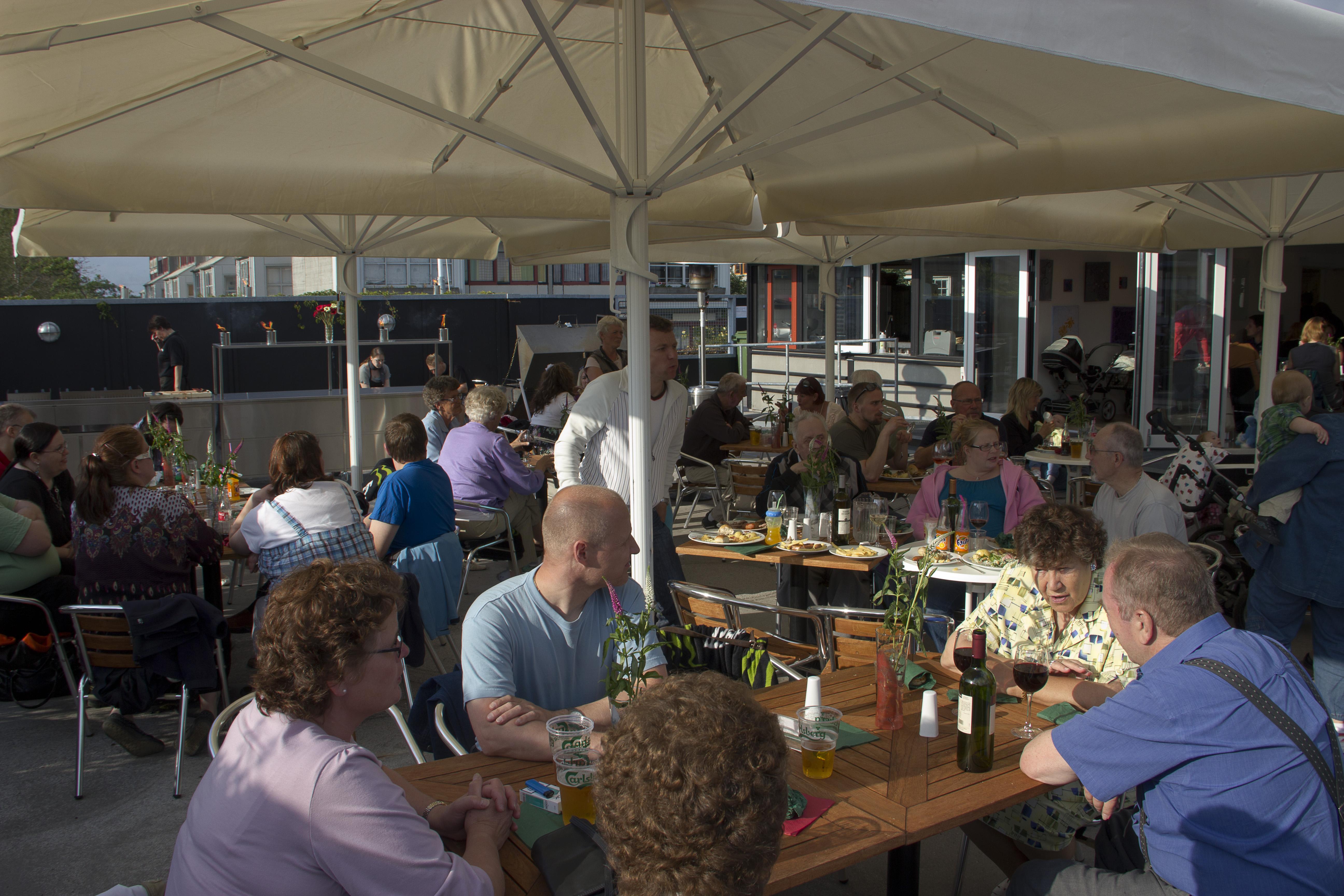Cafe 13, terrassen